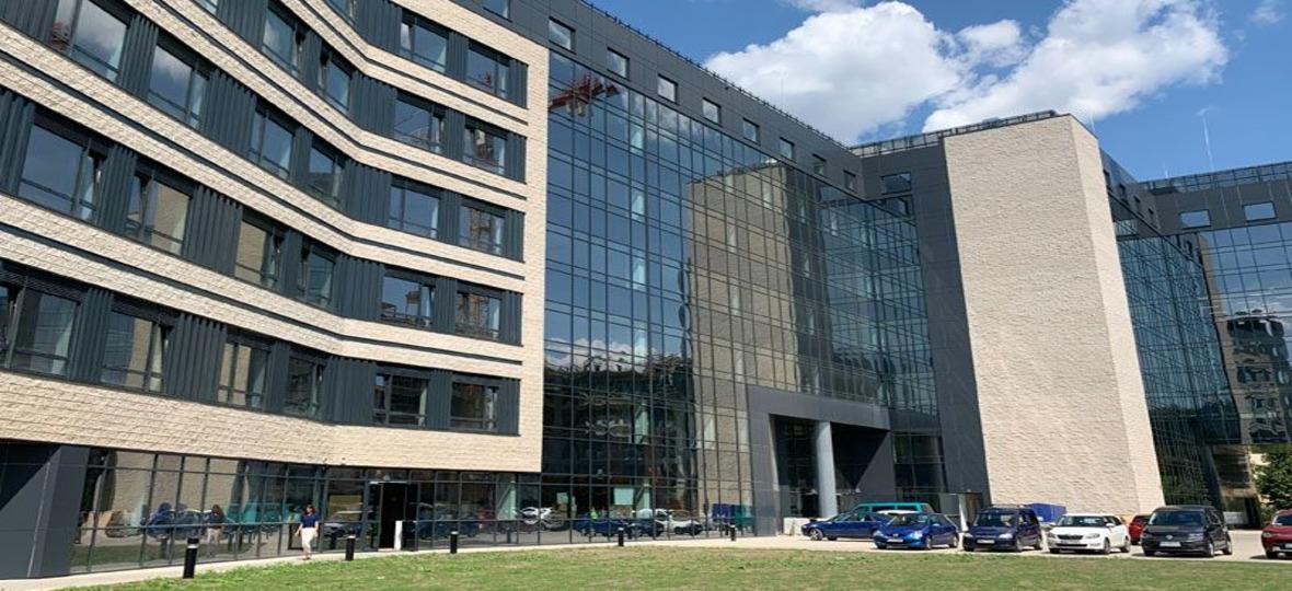 Економіко-гуманітарний університет в Варшаві